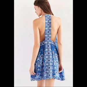 ✨URBAN OUTFITTERS✨ open back sundress